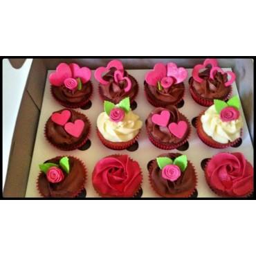 Customized  Vanilla/Chocolate Cupcakes (12pcs)